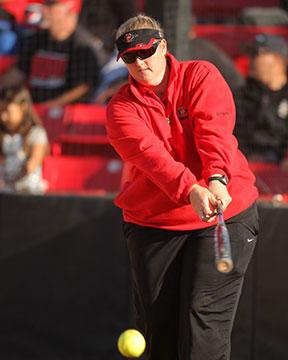 Stacey Nuveman Deniz San Diego State Softbal Coach Teaches at Virtual Summit